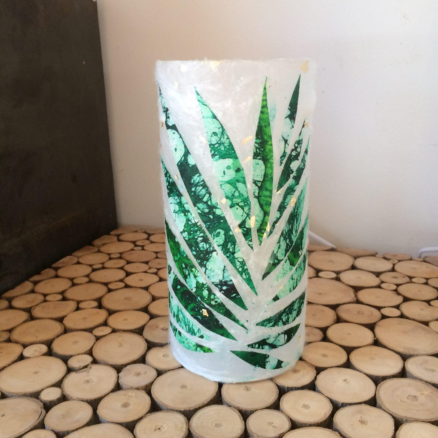 Petite lampe feuille de palmier - création Atelier Lorente
